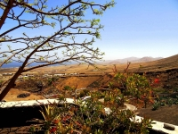 Blick von Castillo IV Ferienhaus auf Lanzarote in La Asomada